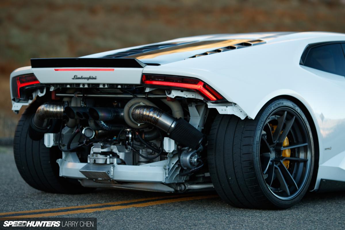 Това Lamborghini Huracan с 1000 к с обра точките още преди старта на Sema Nastarta