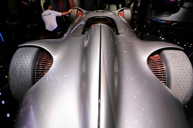 Vision EQ Silver Arrow