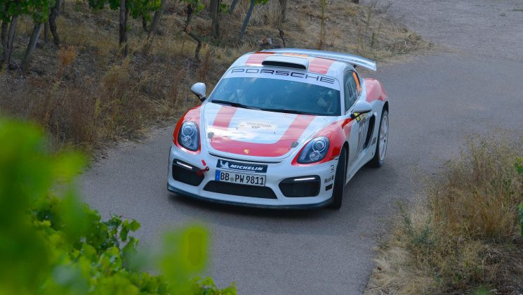 Cayman GT4 Rally